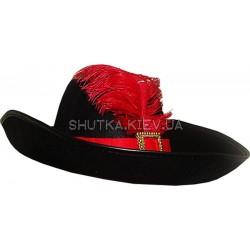 Шляпа мушкетера с пером