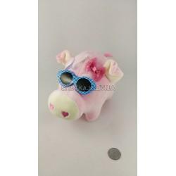 Свинка в очках